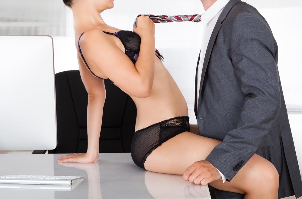 セフレも夢じゃない?!職場の女性とエッチできる5ステップ